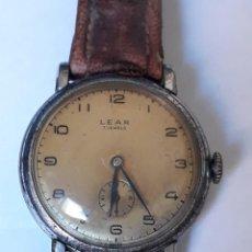 Relojes de pulsera: RARO RELOJ DE PULSERA CABALLERO CARGA MANUAL LEAR, FUNCIONA.34 MM DE DIAMETRO SIN CONTAR LA CORONA. Lote 206125057