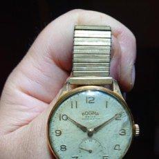 Relógios de pulso: RELOJ PULSERA MARCA DOGMA PRIMA 3,4 CM ESFERA - CORREA DORADA EXTENSIBLE BON DELUXE. Lote 211421349