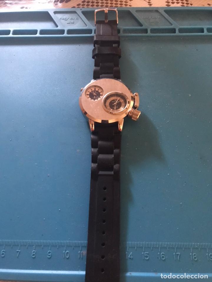 RELOJ DOBLE ESFERA PLATEADO QUARTZ SÚPER SPEED V6. (Relojes - Pulsera Carga Manual)