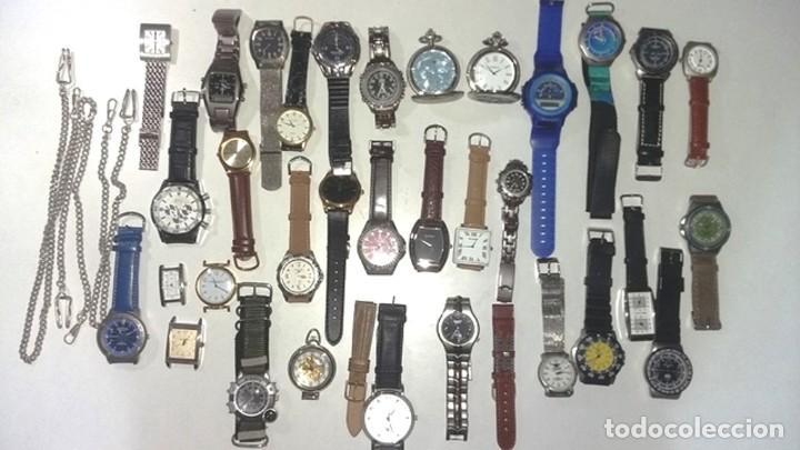 CONJUNTO DE MAS DE 30 RELOJES VARIADOS (Relojes - Pulsera Carga Manual)