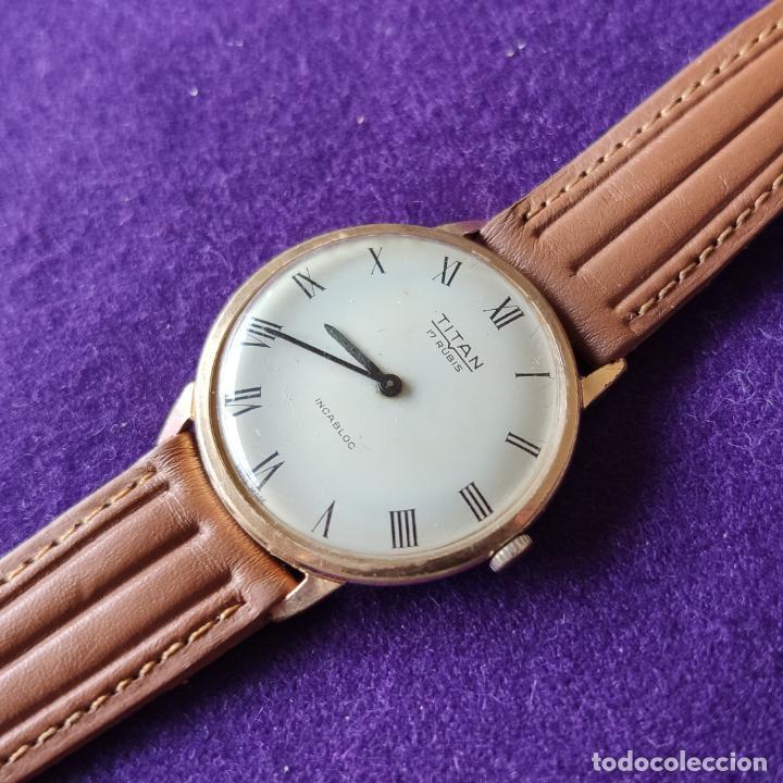 ANTIGUO RELOJ DE PULSERA TITAN. SWISS. CARGA MANUAL-CUERDA.EN FUNCIONAMIENTO.AÑOS 60.CABALLERO. (Relojes - Pulsera Carga Manual)