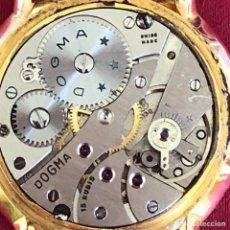 Relojes de pulsera: ANTIGUO RELOJ DOGMA CHAPADO EN ORO. Lote 236932925