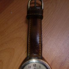 Relojes de pulsera: RELOJ AÑOS 70 CARGA MANUAL FUNCIONA PERFECTAMENTE MARCA CAMAZ PARIS CON DIARIO. Lote 238319995