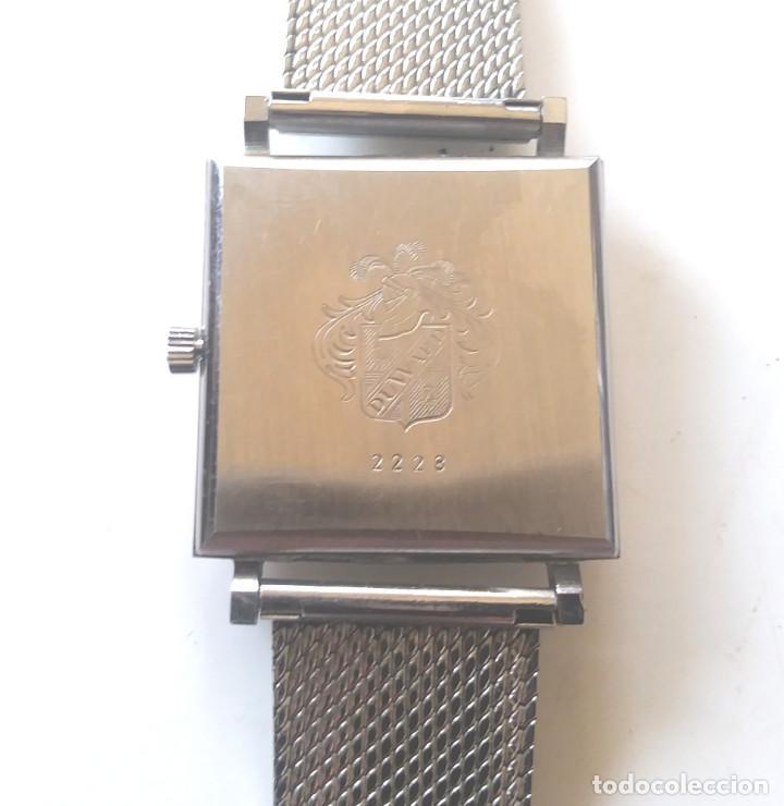 Relojes de pulsera: Duward Diplomatic Reloj Suizo, funciona, caja y correa de acero. Med 28 mm sin contar corona - Foto 3 - 240571245