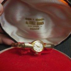 Relojes de pulsera: RELOJ DE SEÑORA EN PLAQUE DE ORO 10 MICRAS. FUNCIONANDO. Lote 267510339