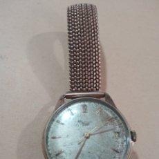 Relojes de pulsera: ANTIGUO RELOJ DE CUERDA MANUAL CON CALENDARIO FUNCIONANDO. Lote 285117338
