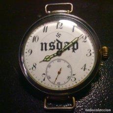 Orologi da polso: RELOJ MILITAR DE CUERDA . ESFERA MOTIVOS NAZI . FUNCIONA .. Lote 285239648
