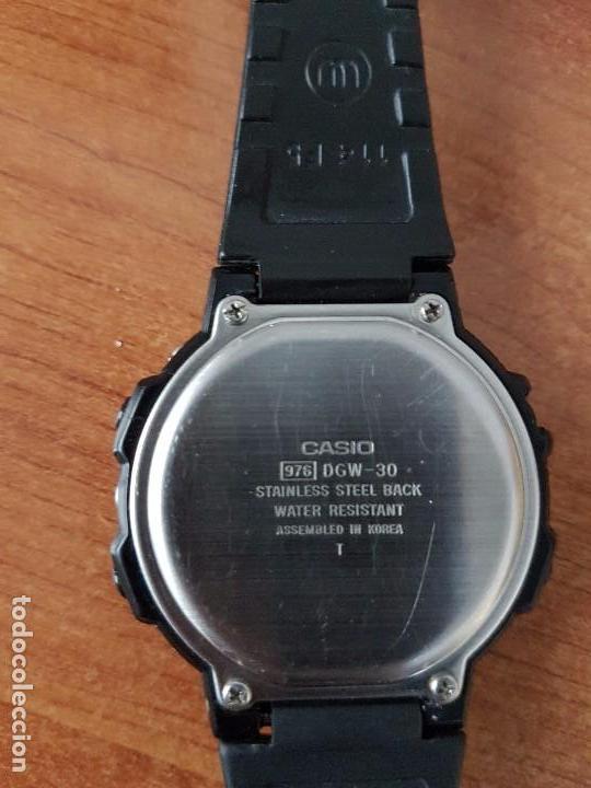 Relojes - Casio: Un reloj de caballero (Vintage) Casio calibre DGW-30 módulo 976, fabricación 1980, correa goma - Foto 4 - 67690641