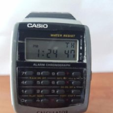 Relojes - Casio: RELOJ DE CABALLERO (VINTAGE) CASIO CALCULADORA DIGITAL, CRONO, ALARMA, HORA 12/24, CORREA DE GOMA . Lote 83595584