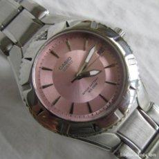 Relojes - Casio: RELOJ CASIO QUARTZ DE PULSERA ROSA, PARA SEÑORA. CORONA REGULABLE. PILA DE 10 AÑOS. FUNCIONANDO. Lote 120426315
