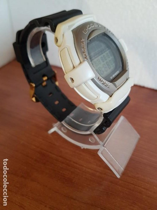 Relojes - Casio: Reloj caballero CASIO modelo GT - 004 - 1632 digital en blanco, correa de silicona Casio negra - Foto 6 - 190867448