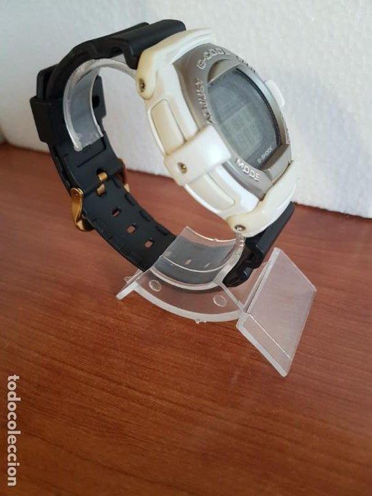 Relojes - Casio: Reloj caballero CASIO modelo GT - 004 - 1632 digital en blanco, correa de silicona Casio negra - Foto 8 - 190867448