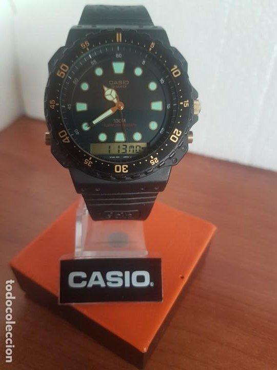 Relojes - Casio: Reloj caballero (Vintage) CASIO Analógico y digital, caja resina con tapa acero, correa silicona - Foto 3 - 191289503