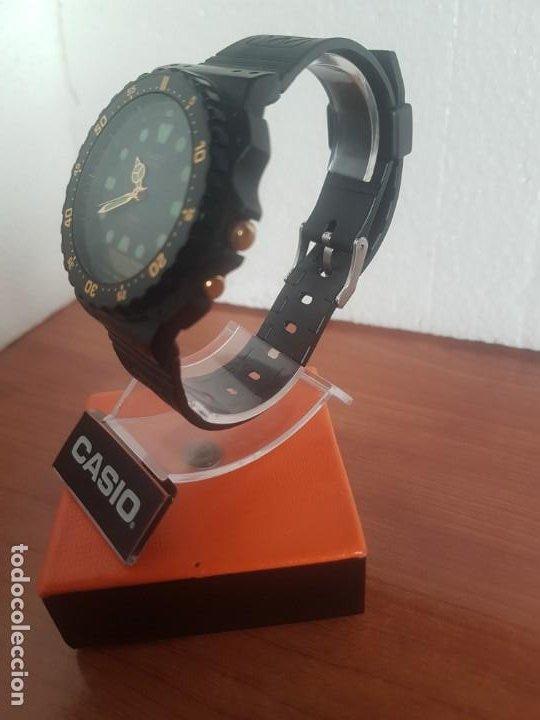 Relojes - Casio: Reloj caballero (Vintage) CASIO Analógico y digital, caja resina con tapa acero, correa silicona - Foto 14 - 191289503