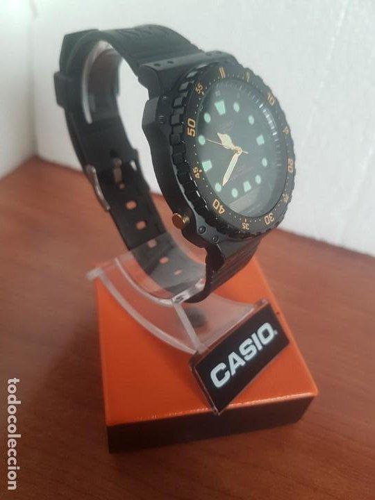 Relojes - Casio: Reloj caballero (Vintage) CASIO Analógico y digital, caja resina con tapa acero, correa silicona - Foto 17 - 191289503
