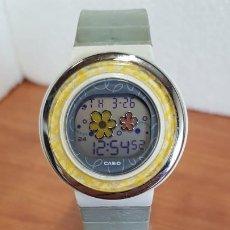 Relojes - Casio: RELOJ (VINTAGE) CASIO DIGITAL DE CUARZO, CAJA DE SILICONA Y ACERO CON MOTIVOS, CORREA DE SILICONA. . Lote 199120456