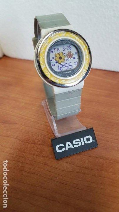 Relojes - Casio: Reloj (Vintage) CASIO digital de cuarzo, caja de silicona y acero con motivos, correa de silicona. - Foto 3 - 199120456