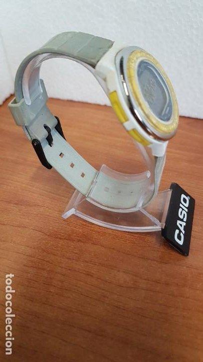 Relojes - Casio: Reloj (Vintage) CASIO digital de cuarzo, caja de silicona y acero con motivos, correa de silicona. - Foto 6 - 199120456