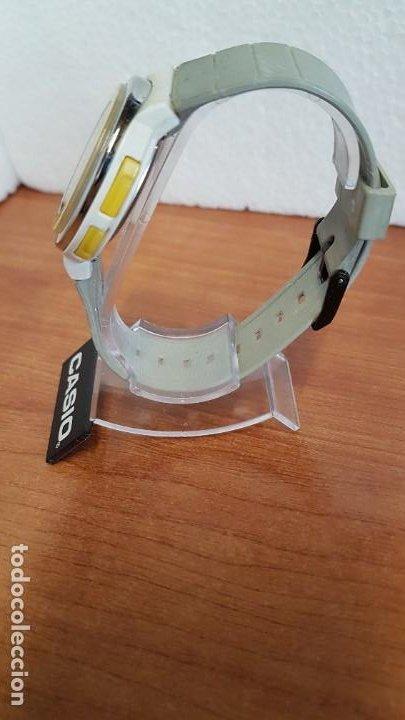 Relojes - Casio: Reloj (Vintage) CASIO digital de cuarzo, caja de silicona y acero con motivos, correa de silicona. - Foto 7 - 199120456