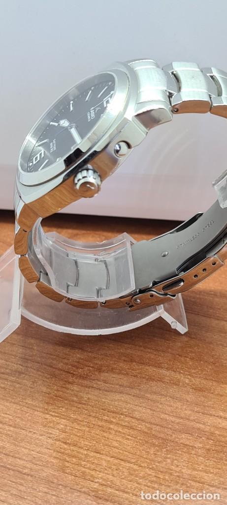 Relojes - Casio: Reloj CASIO. Oceanus cuarzo caja acero, corona rosca, esfera negra, calendario tres, correa original - Foto 12 - 284148333