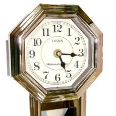 Relojes - Citizen: RELOJ DE PARED DORADO CITIZEN CON PENDULO Y MELODIA. Lote 91242855