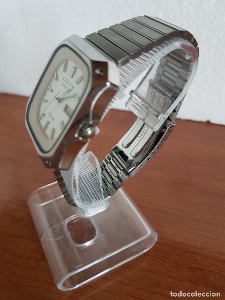 Relojes - Citizen: Reloj CITIZEN de cuarzo en acero con doble calendario, esfera blanca, correa acero original CITIZEN. - Foto 4 - 202652791