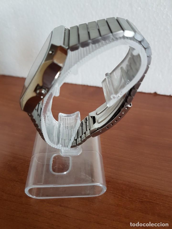 Relojes - Citizen: Reloj CITIZEN de cuarzo en acero con doble calendario, esfera blanca, correa acero original CITIZEN. - Foto 9 - 202652791
