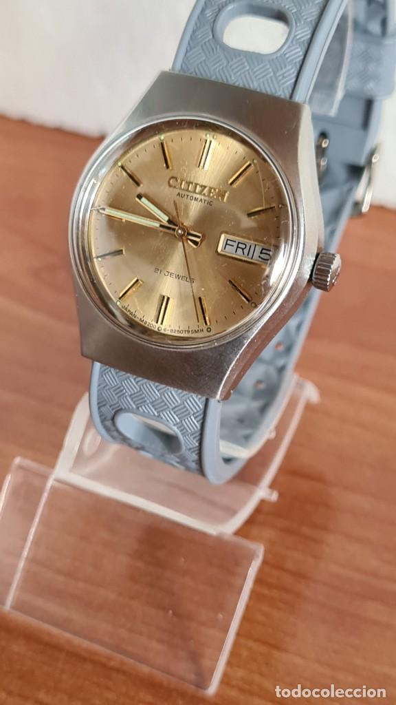 Relojes - Citizen: Reloj unisex (Vintage) CITIZEN acero automático 21 rubís con doble calendario, correa silicona gris. - Foto 2 - 242960155