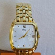 Relojes - Citizen: RELOJ UNISEX (VINTAGE) CITIZEN CUARZO CHAPADO DE ORO, ESFERA BLANCA, CALENDARIO LAS TRES, CORREA ORI. Lote 243259880