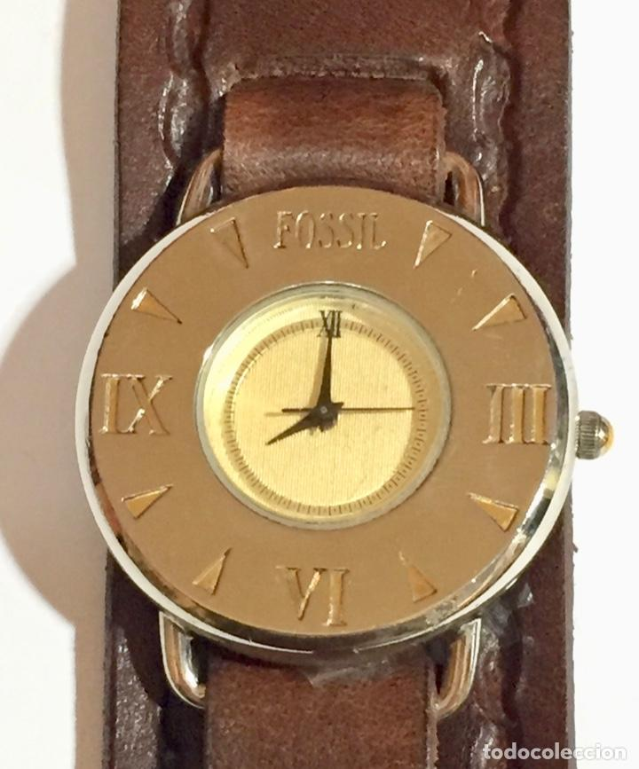 VINTAGE FOSSIL EN-2703 QUARTZ,SEGUNDERO, CAJA DE ACERO 38,5M/M.C/C.PULSERA NUEVA DE CUERO. (Relojes - Relojes Actuales - Fossil)