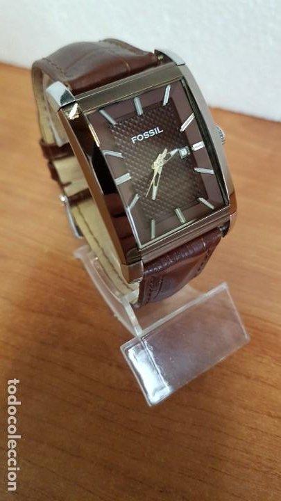Relojes - Fossil: Reloj caballero FOSSIL de cuarzo en acero con calendario a las tres horas, correa cuero marrón. - Foto 6 - 199207937