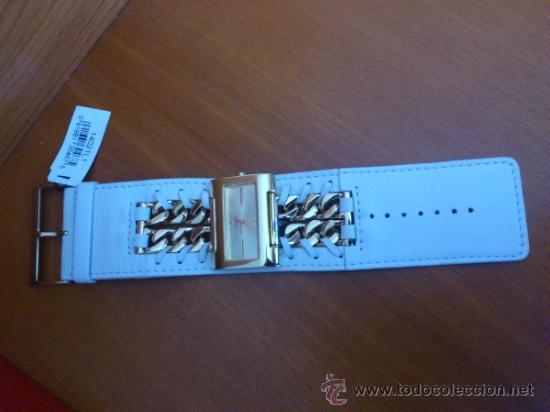 Relojes - Guess: Reloj de mujer GUESS ( NUEVO A ESTRENAR ), Correa de cuero y caja de acero inoxidable bañado en oro - Foto 3 - 36667867