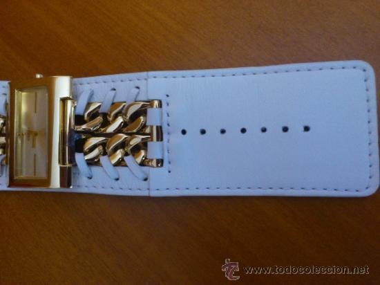 Relojes - Guess: Reloj de mujer GUESS ( NUEVO A ESTRENAR ), Correa de cuero y caja de acero inoxidable bañado en oro - Foto 4 - 36667867
