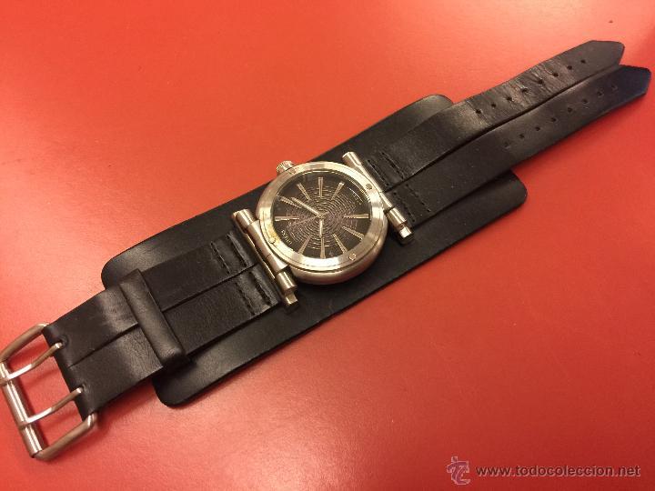 55d3c3575ee6 Espectacular reloj de pulsera guess
