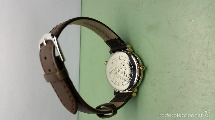 Relojes - Guess: Reloj de cuarzo unisex marca Guess indiglo con luz con correa de cuero marrón - Foto 6 - 57140238