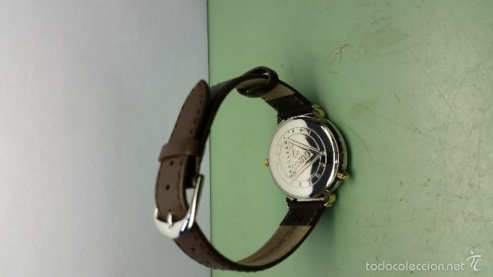 Relojes - Guess: Reloj de cuarzo unisex marca Guess indiglo con luz con correa de cuero marrón - Foto 8 - 57140238