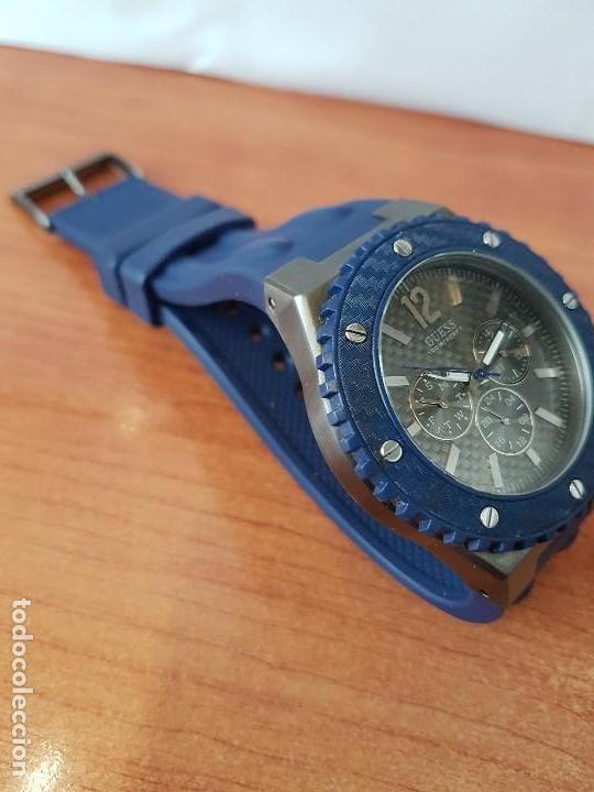 Relojes - Guess: Reloj caballero GUESS cuarzo multifunción corona de rosca, correa de silicona original azul Guess - Foto 10 - 122656447