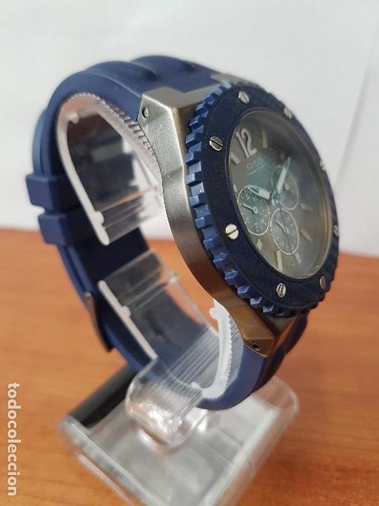 Relojes - Guess: Reloj caballero GUESS cuarzo multifunción corona de rosca, correa de silicona original azul Guess - Foto 13 - 122656447