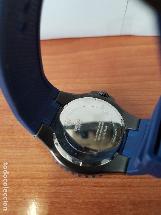 Relojes - Guess: Reloj caballero GUESS cuarzo multifunción corona de rosca, correa de silicona original azul Guess - Foto 16 - 122656447