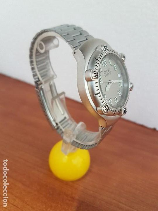 Relojes - Guess: Reloj caballero GUESS de cuarzo acero con calendario a las tres, bisel giratorio con correa de acero - Foto 3 - 129181991