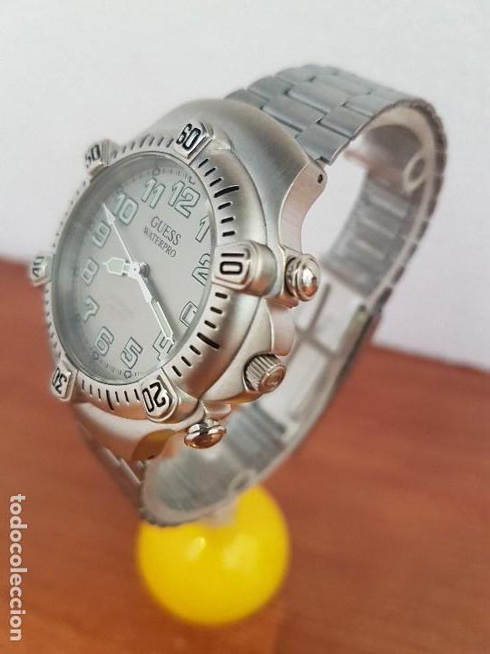Relojes - Guess: Reloj caballero GUESS de cuarzo acero con calendario a las tres, bisel giratorio con correa de acero - Foto 4 - 129181991