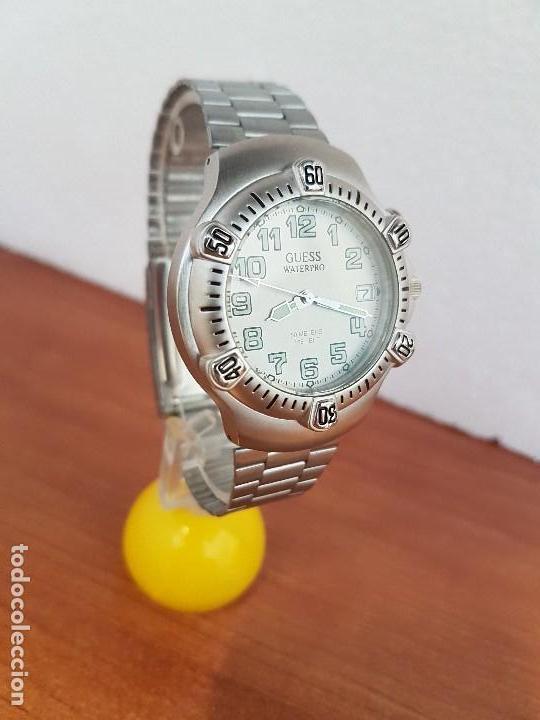 Relojes - Guess: Reloj caballero GUESS de cuarzo acero con calendario a las tres, bisel giratorio con correa de acero - Foto 7 - 129181991