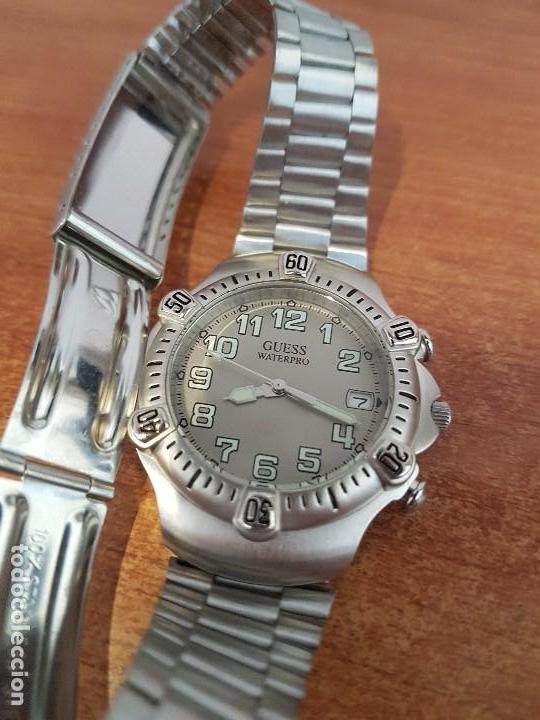 Relojes - Guess: Reloj caballero GUESS de cuarzo acero con calendario a las tres, bisel giratorio con correa de acero - Foto 10 - 129181991