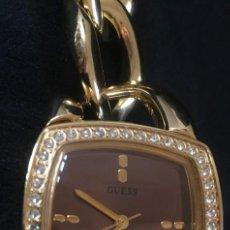 Relojes - Guess: ELEGANTE RELOJ GUESS CON ORIGINAL CADENA DE ACERO DORADO Y CAJA CON BRILLANTES O CRISTALES SWAROVSKI. Lote 139071738