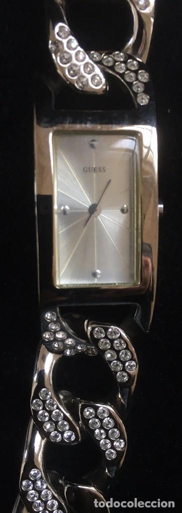 ELEGANTE RELOJ GUESS CON ORIGINAL CADENA DE ACERO PLATEADO CON BRILLANTES O SIMILAR (Relojes - Relojes Actuales - Guess)