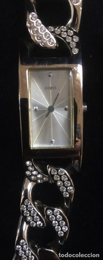 Relojes - Guess: ELEGANTE RELOJ GUESS CON ORIGINAL CADENA DE ACERO PLATEADO CON BRILLANTES O SIMILAR - Foto 3 - 139073958