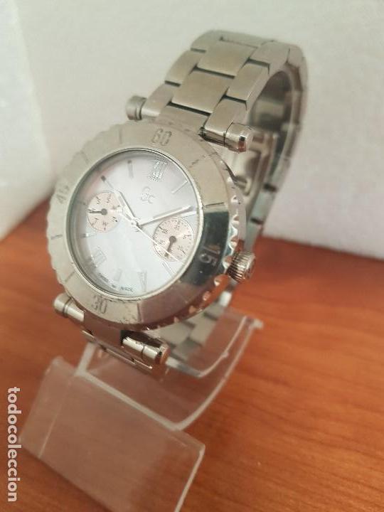 Relojes - Guess: Reloj GUESS de cuarzo con máquina Suiza multifunción, esfera de nacar, corona rosca, correa original - Foto 2 - 142988570