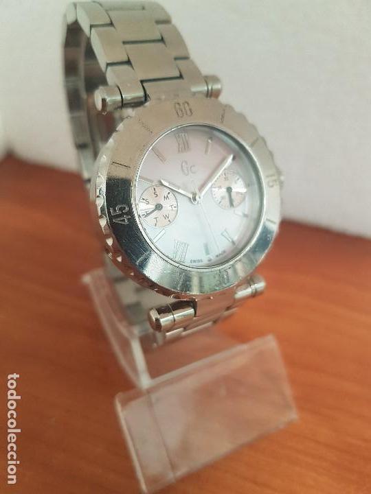 Relojes - Guess: Reloj GUESS de cuarzo con máquina Suiza multifunción, esfera de nacar, corona rosca, correa original - Foto 3 - 142988570