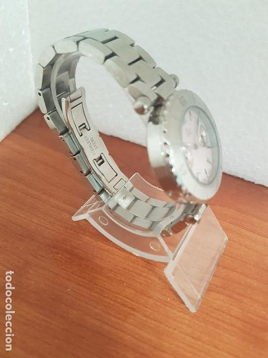Relojes - Guess: Reloj GUESS de cuarzo con máquina Suiza multifunción, esfera de nacar, corona rosca, correa original - Foto 5 - 142988570