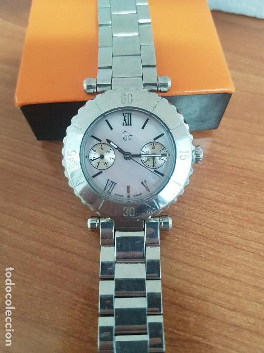 Relojes - Guess: Reloj GUESS de cuarzo con máquina Suiza multifunción, esfera de nacar, corona rosca, correa original - Foto 9 - 142988570